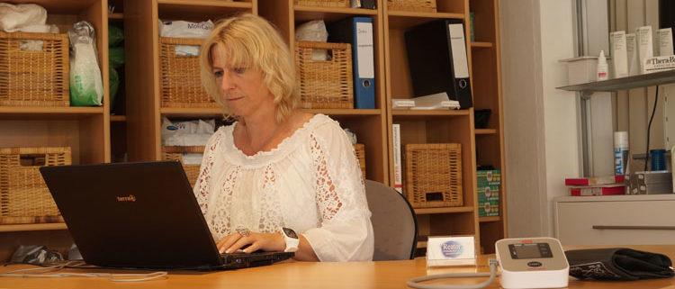 Kompetente Beratung bei Reator Praxisbedarf in Holzgerlingen